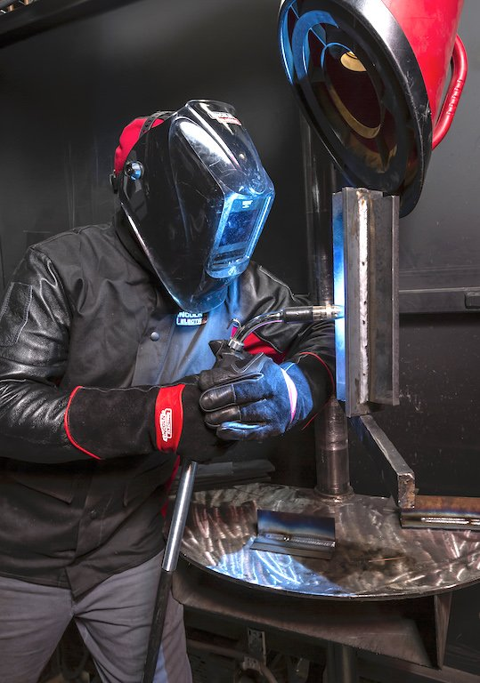 MIG welding class at Lincoln's WTTC welding school.