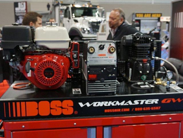 Boss3697.JPG
