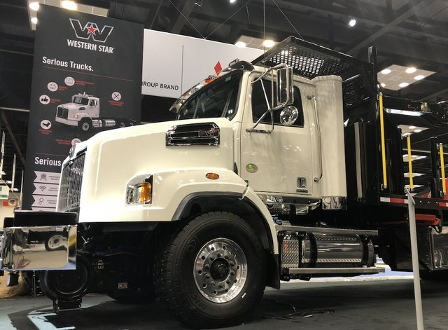 WesternStar1266.JPG
