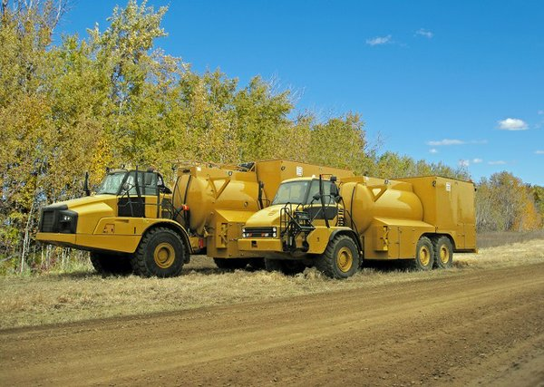 Wabash Mfg Lube Trucks