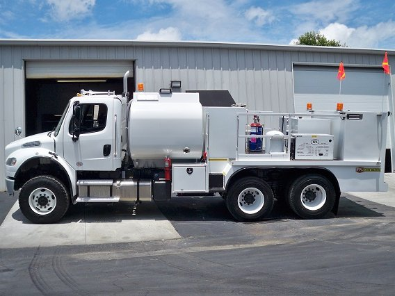 Taylor Pump and Lift Lube Truck