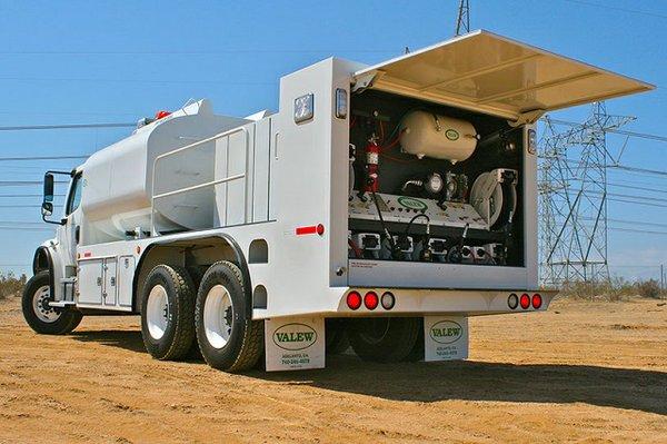 Valew Quality Truck Bodies Custom Lube Body2